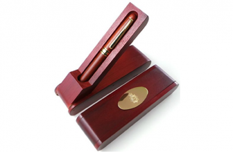 POLICE FORCE WOODEN GOLD PEN SET WITH WOOD CASE AND STAND